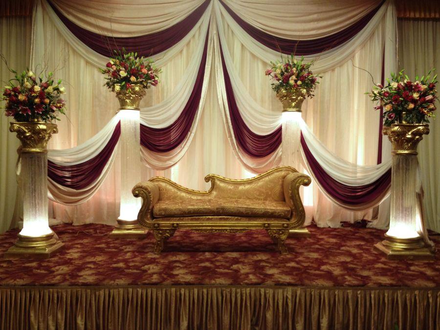 Stage decor prime party rentals for Decoration simple de salon